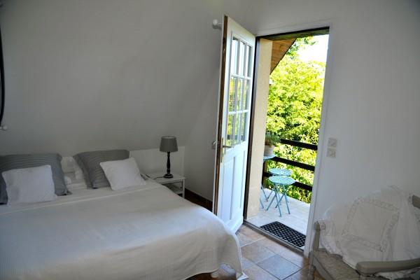 chambre hôtes honfleur familiale balcon bois pierres